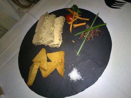 Iloha Seaview Hotel: Second restaurant, entrée foie gras
