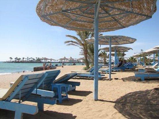 Zahabia Hotel and Beach Resort: пляж