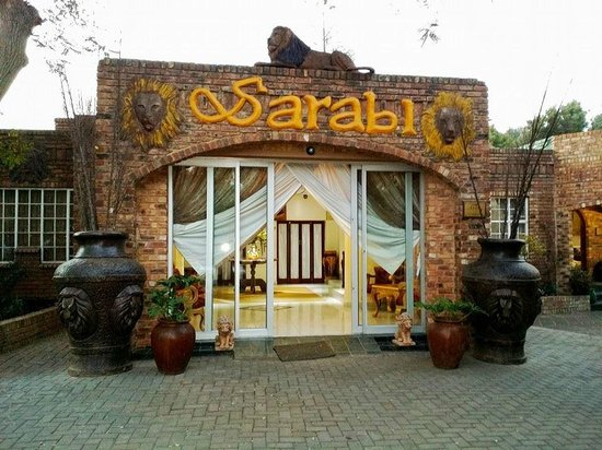 Sarabi Lodge and Guesthouse : Entrance