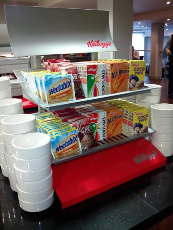 Holiday Inn Express Birmingham - Snow Hill: Desayuno: cereales