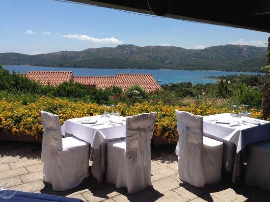 Park Hotel Cala di Lepre & Spa: Restaurant mit Aussicht