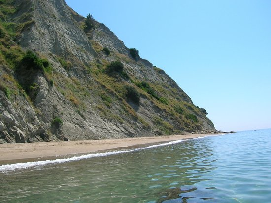 Arkoudilas Beach, just before the Rose Tree - Dimitri inspred us to walk the 2 Kilometer trek...