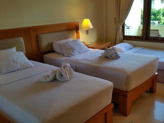 Febri's Hotel & Spa : Twin Bedroom