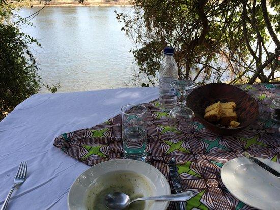 Tongabezi: Picnic lunch at an island in the Zambezi