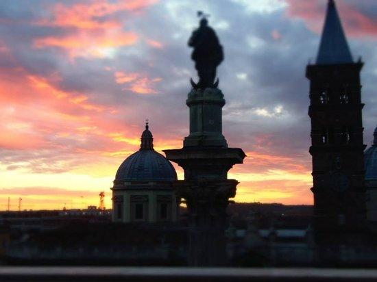 Mecenate Palace: Sunset