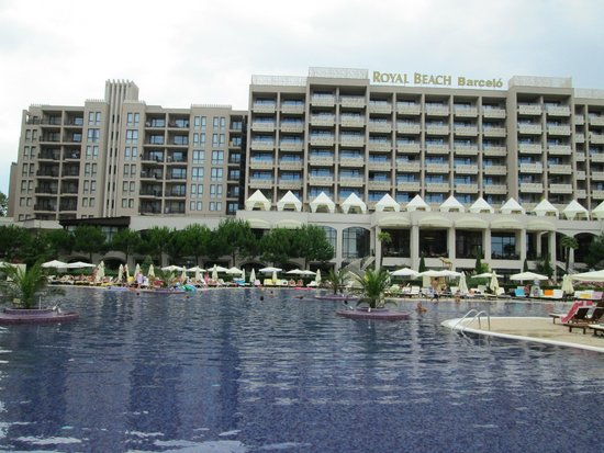 Barcelo Royal Beach: One of the 3 pools