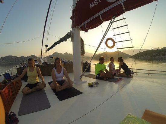 J Diving Center, MSY OKYANUS JD: Gün Doğuşunda Yoga