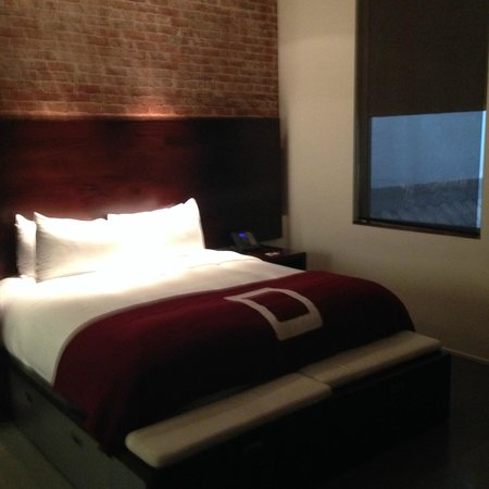 The Keating Hotel by Pininfarina : Good bed!
