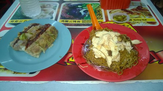 Petaling Street: Fried noodle(6 RM) and vegetable spring roll (5 RM for 2)