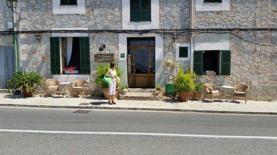 Hostal Rural Can Busquets: Ingresso