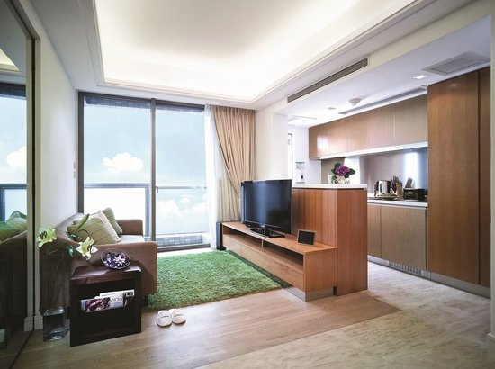 GARDEN East Serviced Apartments: Quiet And Clean Room