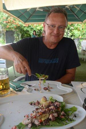 Restaurant Kopun: Salada de polvo, maravilhosa