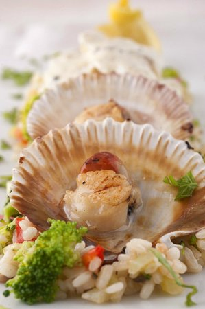 Hotel Adrovic: Restaurant Adrovic- Sveti StefanMix shells, oysters,