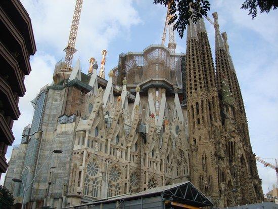 Barcelona Day Tours: Sagrada Familia
