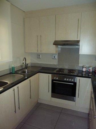 Genesis All-Suite Hotel : kitchen
