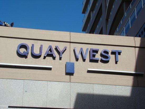Quay West Suites Brisbane: Hotel Sign
