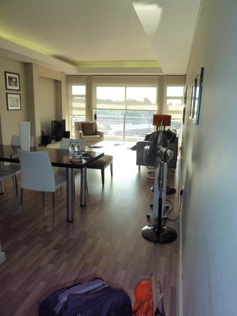 Genesis All-Suite Hotel : large 2 bed apartment