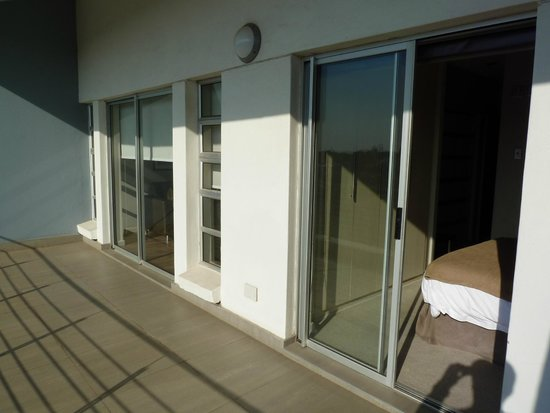 Genesis All-Suite Hotel : balcony