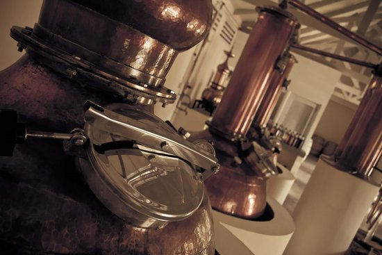 Takamaka Rum Distillery: Enter the distillery and learn more about Rum