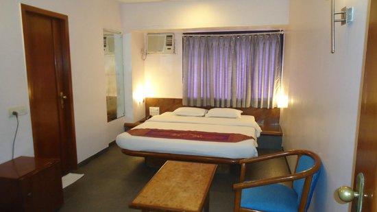 Hotel Jayshree: PRIVILIGE DELUXE ROOM