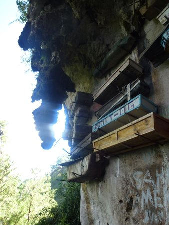 Cercueil suspendus de Sagada : The Hanging Coffins