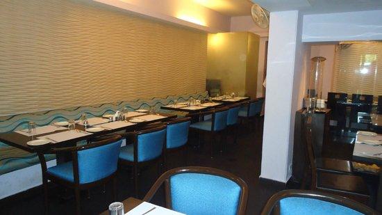 Hotel Jayshree: Dining