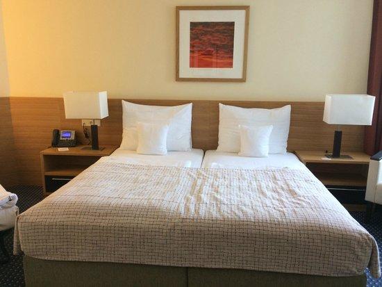 Clarion Congress Hotel Prague : Una cama grande y cómoda