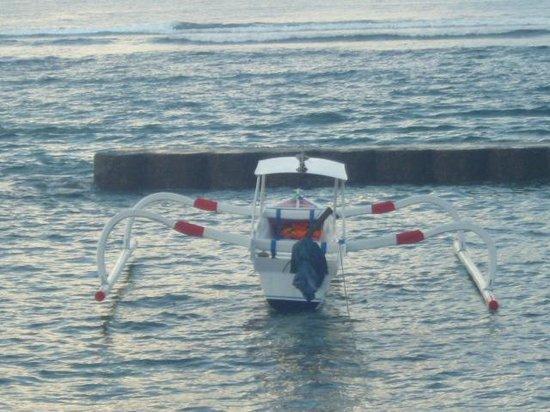 Puri Oka Beach Bungalows: fishing boats