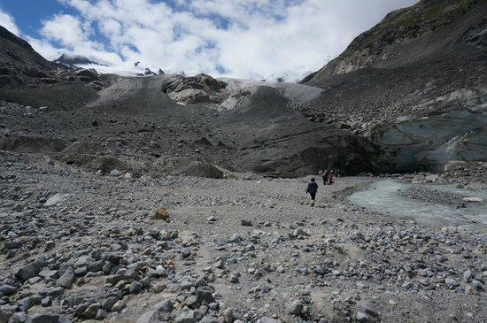 Morteratsch Glacier: base of the glacier