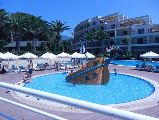 Paloma Pasha Resort : Piscine des petits