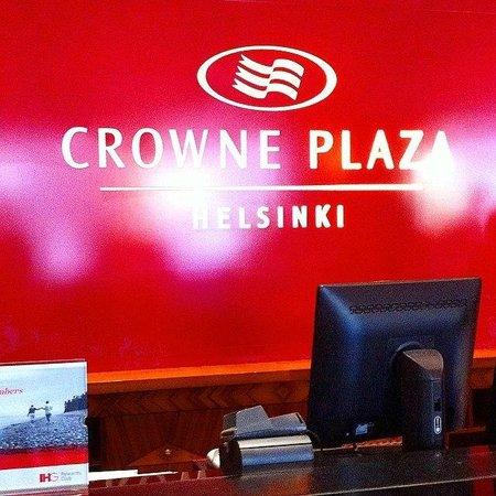 Crowne Plaza Hotel Helsinki : рецепция
