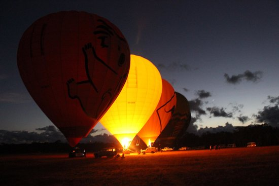 Hot Air Balloon Cairns - Tours : Getting ready