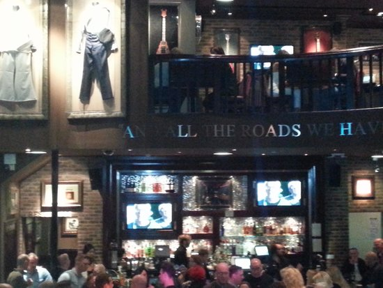 Hard Rock Cafe: Inside the Cafe