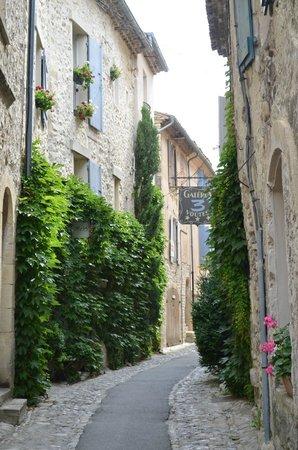 Vaison la Romaine : rues