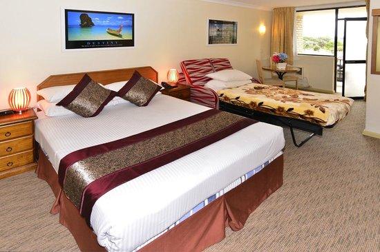 Metro Inn Ryde: Twin Room