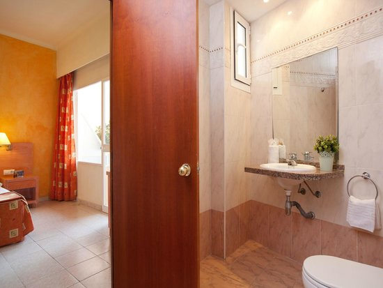 Hotel whala!balmes: Bedroom