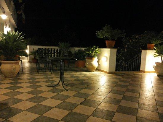 Hotel La Ginestra: Terrazza