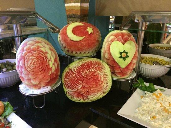 Bodrum Holiday Resort & Spa : Buffet