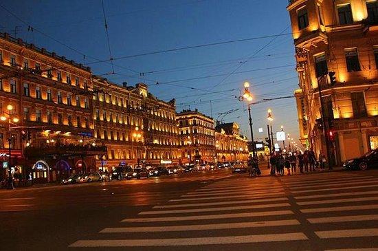 Nevsky Prospekt: Июльская ночь.