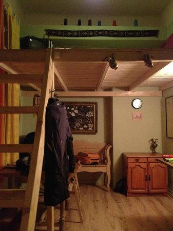 Lavender Circus Hostel: Particolare stanza