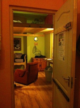 Lavender Circus Hostel : Stanza