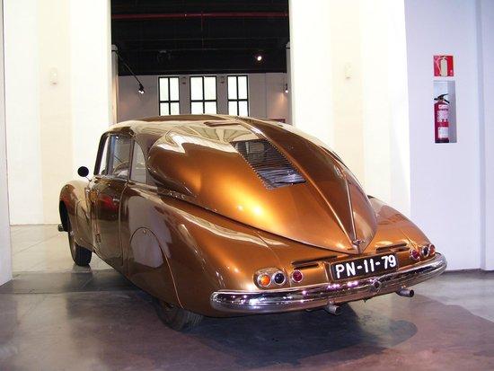 Automobile and Fashion Museum : Malaga motor museum