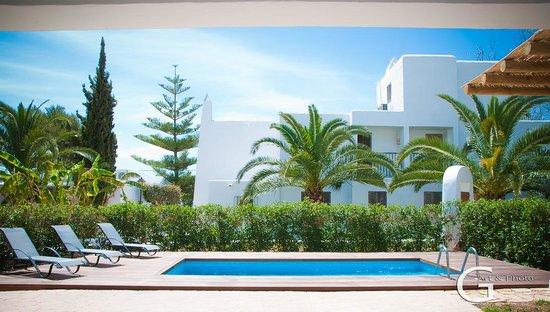 Cabau S'Argamassa Villas: vista de la piscina