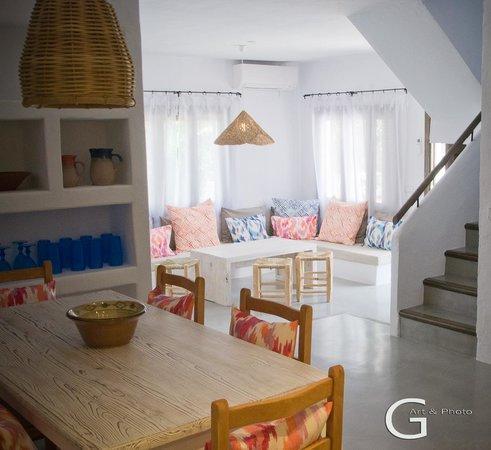 Cabau S'Argamassa Villas: Salon Villa De Lux