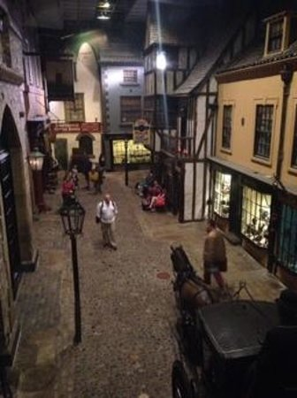 York Castle Museum: Kirkgate street scene
