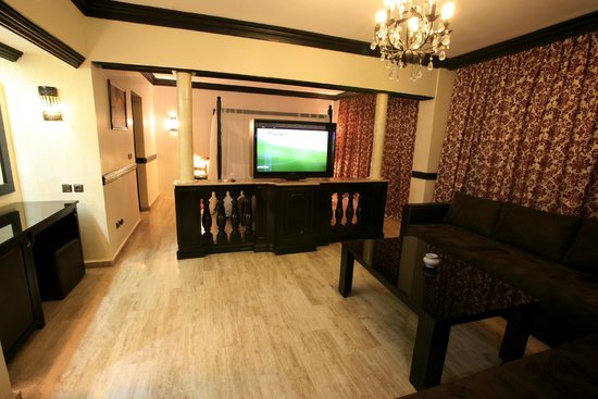 Imperial Holiday Hotel: Suite