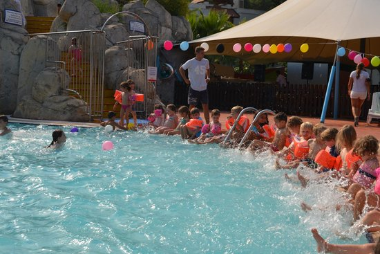 Club Med Palmiye : Once a week pool party with the Mini Club