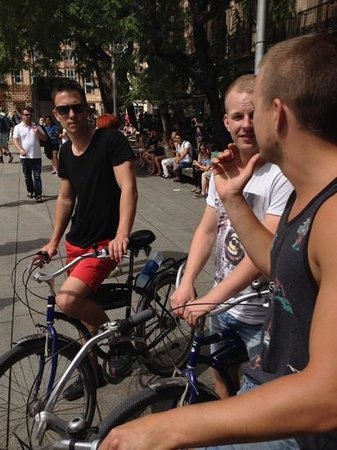 Fat Tire Bike Tours Barcelona: discussing the history of Barcelona