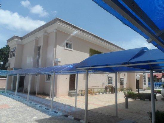 Randekhi Royal Hotel: kitchen and resturant upstairs
