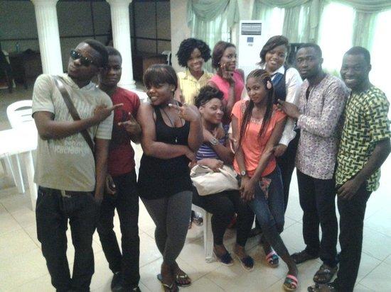 Randekhi Royal Hotel: staff saying goodbye to mama africa